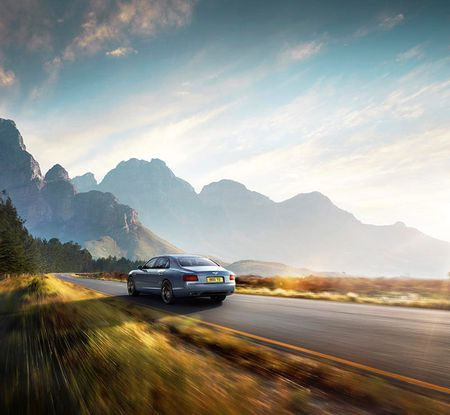 Trinh lang Bentley Flying Spur W12 S sieu toc do dat 325km/h - Anh 9