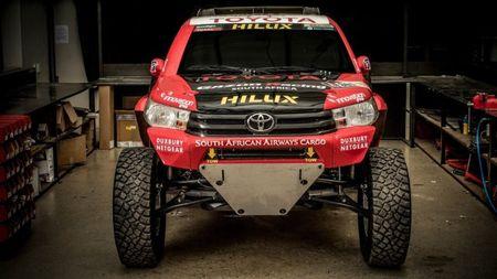 Toyota mang ban tai Hilux moi du giai dua Dakar 2017 - Anh 1