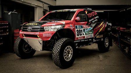 Toyota mang ban tai Hilux moi du giai dua Dakar 2017 - Anh 2