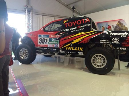 Toyota mang ban tai Hilux moi du giai dua Dakar 2017 - Anh 6