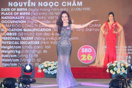 Nguoi dep Ngoc Cham bat ngo gianh A hau 1 doanh nhan the gioi nguoi Viet 2016 - Anh 1