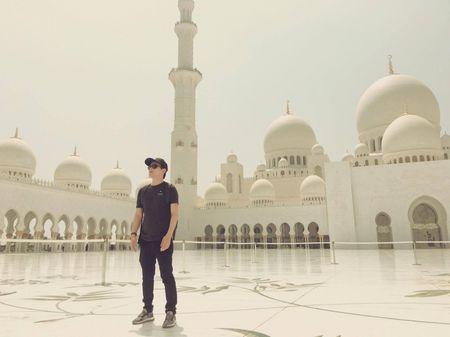 Ca si Ho Quang Hieu mo thanh ty phu dau mo o Dubai - Anh 3