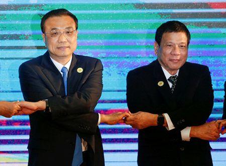 Trung Quoc muon 'xoa tan can thiep' tu ben ngoai o Bien Dong - Anh 1