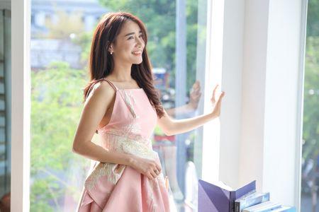 Sau VTV Awards, Nha Phuong am tham nhan giai thuong lon tai Han! - Anh 15