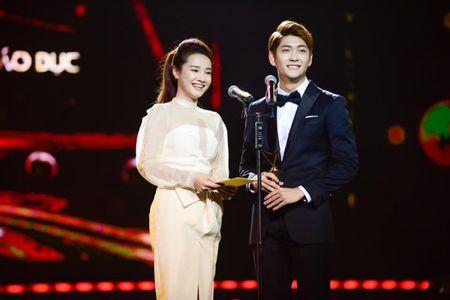 Sau VTV Awards, Nha Phuong am tham nhan giai thuong lon tai Han! - Anh 16