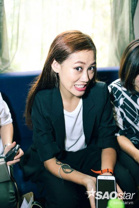 Tien Dat 'dap tra' Hari Won: 'Anh di xa lam roi' trong hop bao ra mat MV - Anh 11