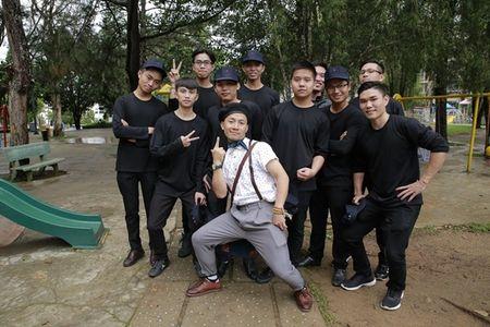 Tien Dat 'dap tra' Hari Won: 'Anh di xa lam roi' trong hop bao ra mat MV - Anh 2