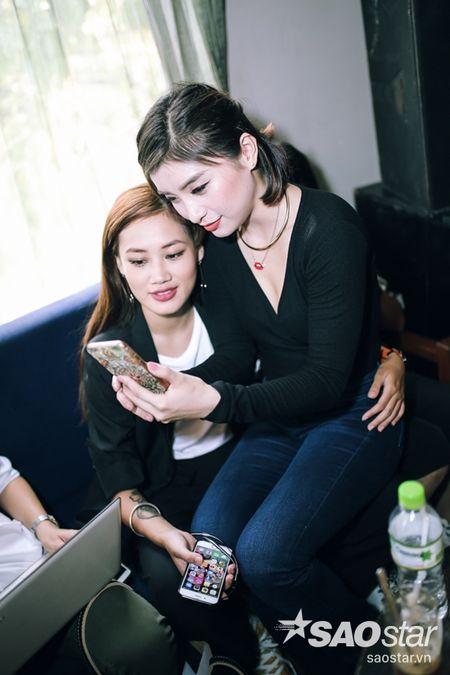 Tien Dat 'dap tra' Hari Won: 'Anh di xa lam roi' trong hop bao ra mat MV - Anh 9