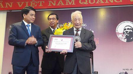 'Ong Tay moc cong' duoc vinh danh voi Giai thuong Bui Xuan Phai 2016 - Anh 3
