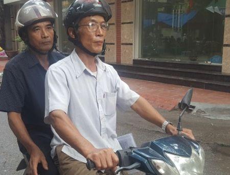 'Nhan an tu vi… nau chao trong san UBND xa': Dan tiep tuc keu oan theo thu tuc giam doc tham - Anh 1