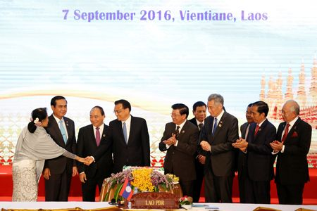 ASEAN, Trung Quoc tiet giam bat dong - Anh 2