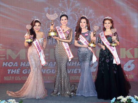 Nguyen Thi Kim Thoa doat vuong mien Hoa hau Doanh nhan The gioi nguoi Viet 2016 - Anh 2
