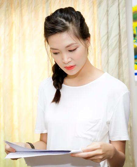 Hoa hau Thuy Dung tang qua trung thu cho benh nhan nhi - Anh 7