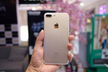 iPhone 7 Plus hang nhai gia hon 2 trieu tai Viet Nam - Anh 2