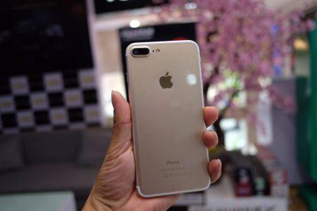 iPhone 7 Plus hang nhai gia hon 2 trieu tai Viet Nam - Anh 3