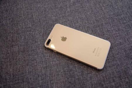 iPhone 7 Plus hang nhai gia hon 2 trieu tai Viet Nam - Anh 6