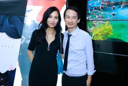 Ngo Thanh Van vui mung hoi ngo Tran Anh Hung - Anh 3