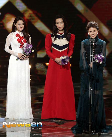 Nha Phuong nhan giai cung Song Joong Ki va tai tu 'Diep Van' - Anh 2