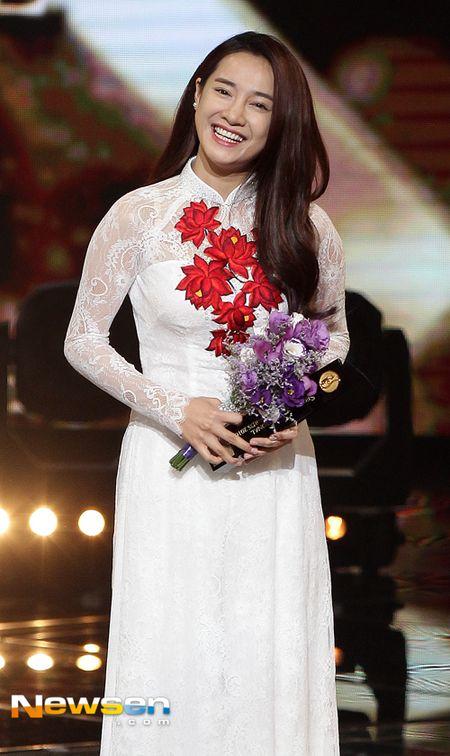 Nha Phuong nhan giai cung Song Joong Ki va tai tu 'Diep Van' - Anh 3