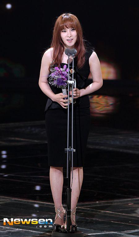 Nha Phuong nhan giai cung Song Joong Ki va tai tu 'Diep Van' - Anh 8