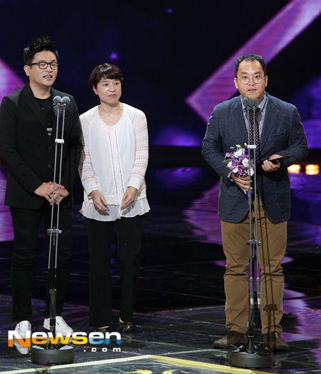 Nha Phuong nhan giai cung Song Joong Ki va tai tu 'Diep Van' - Anh 9