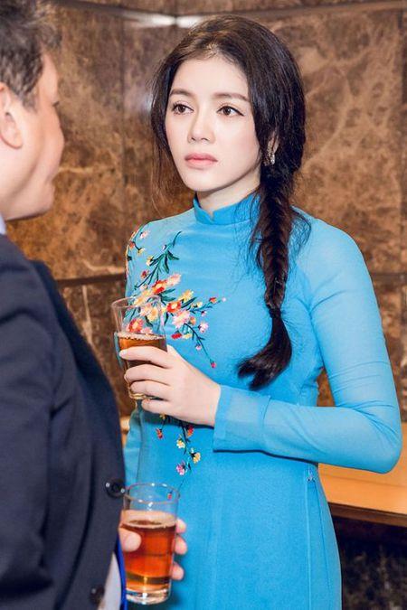 Ly Nha Ky mac ao dai dien kien Tong thong Phap - Anh 7