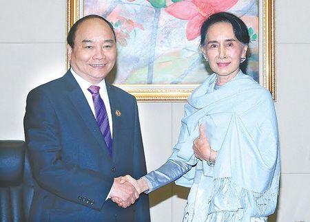 Thu tuong Nguyen Xuan Phuc hoi kien ba Aung San Suu Kyi - Anh 1