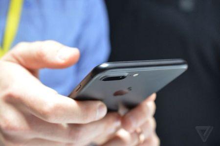 Chiem nguong ve dep me hon cua iPhone 7 ngoai doi thuc - Anh 6