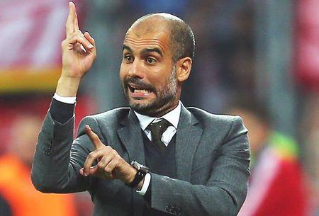 Khuc cua dau tien tu tran derby thanh Manchester - Anh 1