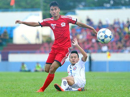 HLV Phan Thanh Hung de chung sao tre Ha Noi T&T - Anh 2