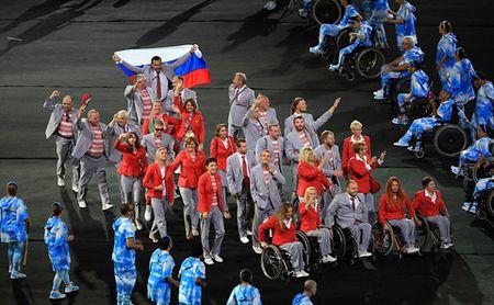 CHUM ANH: Ruc ro va xuc dong le khai mac Paralympic - Anh 13