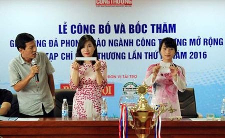Cuu tuyen thu tham du giai bong da Tap chi Cong Thuong - Anh 1