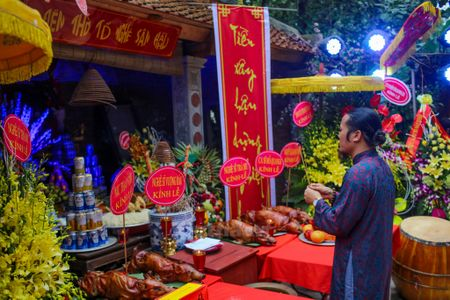 Nghe sy Viet tuong nho Han Van Tinh trong ngay gio to nghe san khau - Anh 1