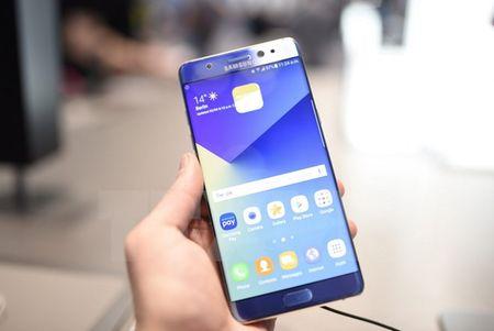 Malaysia cam su dung dien thoai Galaxy Note 7 tren may bay - Anh 1