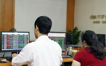 Thieu vang luc do, chi so VN-Index chua the tim lai moc 660 diem - Anh 1