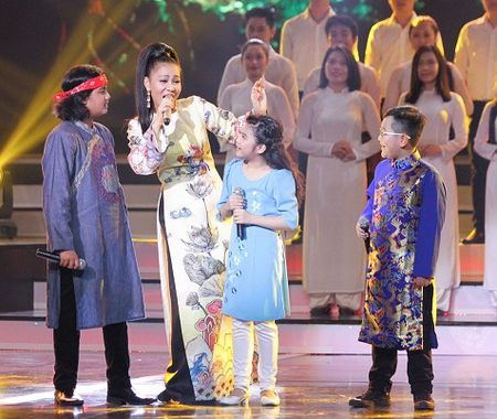 Xon xao nghi van Thu Minh hat nhep tai le trao giai VTV Awards 2016 - Anh 1