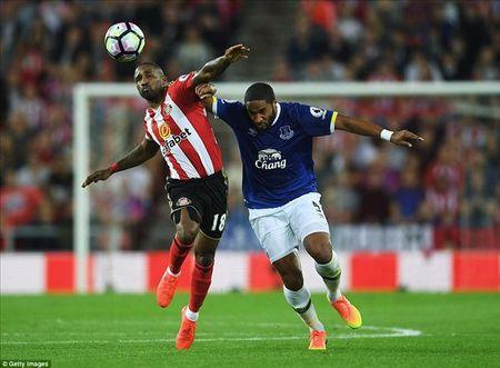 Lap hat-trick trong 11 phut, Romelu Lukaku giup Everton chiem Top 3 cua MU - Anh 2