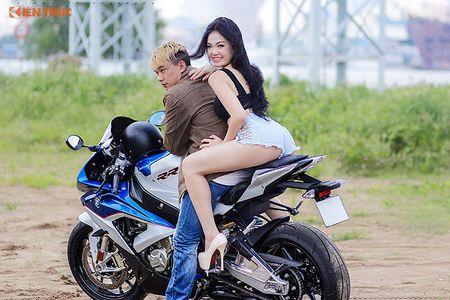 "Chan dai sexy ""de chet"" BMW S1000RR tai Sai Gon - Anh 11"