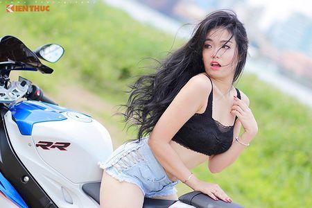 "Chan dai sexy ""de chet"" BMW S1000RR tai Sai Gon - Anh 5"