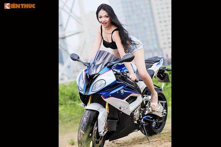 "Chan dai sexy ""de chet"" BMW S1000RR tai Sai Gon - Anh 8"