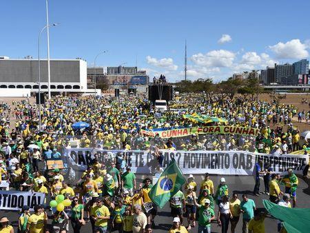50.000 nguoi Brazil bieu tinh phan doi chinh phu moi - Anh 1