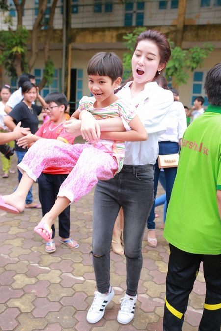 A hau Huyen My hon nhien khi di tu thien cung Quang Teo, Giang Coi - Anh 6
