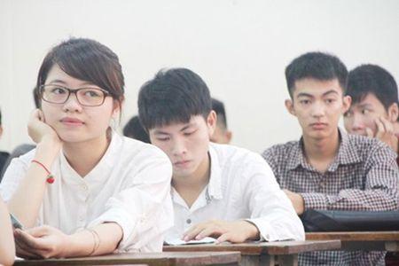 Thi THPT quoc gia nam 2017: 'Lau nay Ly, Hoa, Sinh van thi trac nghiem co van de gi dau' - Anh 1