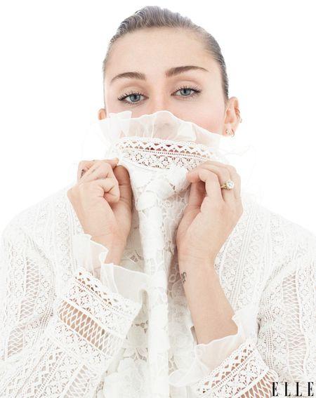Bat ngo voi hinh anh trong sang cua Miley Cyrus - Anh 2