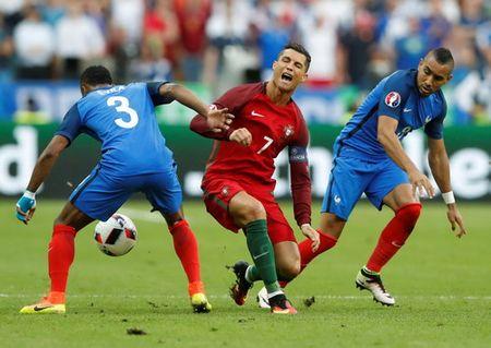 Ronaldo duoc thang chuc o Real Madrid - Anh 1