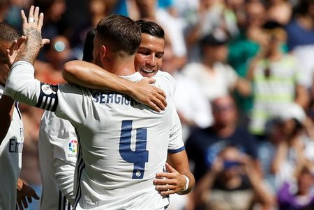 Ronaldo duoc thang chuc o Real Madrid - Anh 3