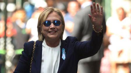 Nghi van ba Clinton bi dau doc - Anh 1