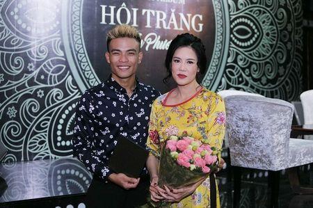 Ca si Thu Phuong: 'Cac con toi thiet thoi vi khong co duoc mot cai Tet Trung thu thuc su' - Anh 2
