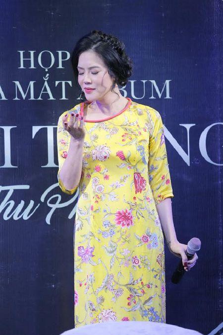 Ca si Thu Phuong: 'Cac con toi thiet thoi vi khong co duoc mot cai Tet Trung thu thuc su' - Anh 3