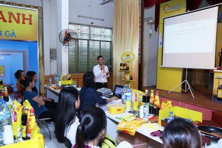 Hang nghin nguoi ban thuc an duong pho duoc tap huan - Anh 1